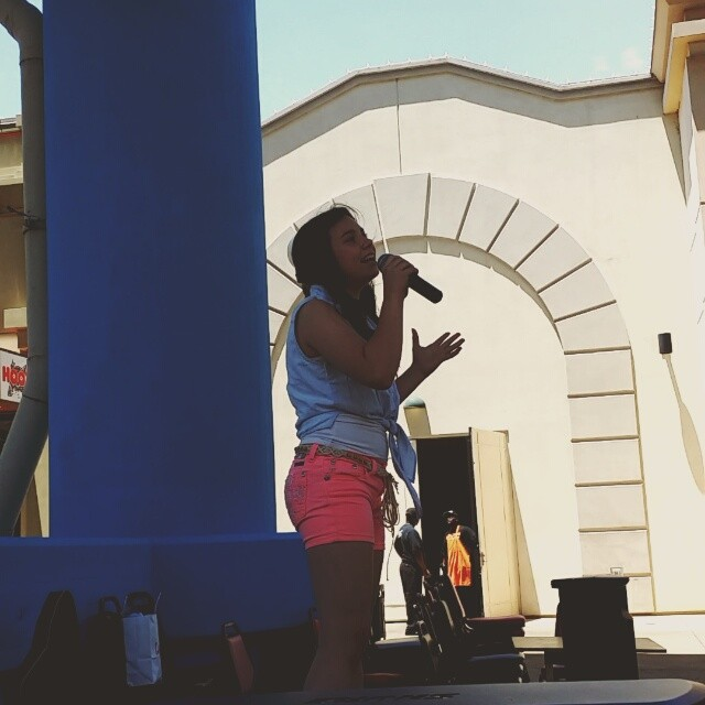 Leah Thompson singing Let It Go. #LetItGo #Frozen #LeahThompson